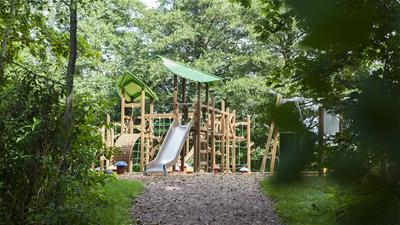nature play playground equipment
